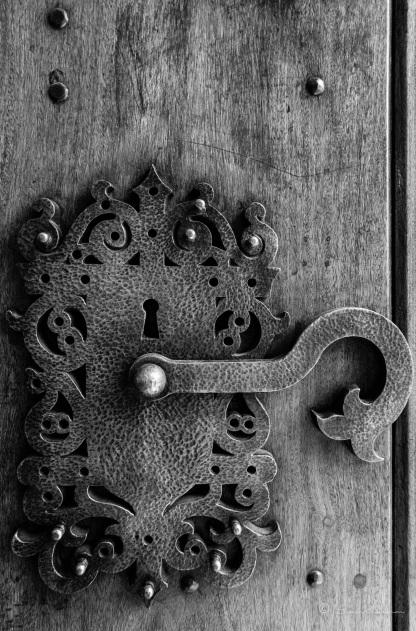 Cerradura de la puerta principal del Colegio, depende de la UNC y popularmente se le conoce como Monse.